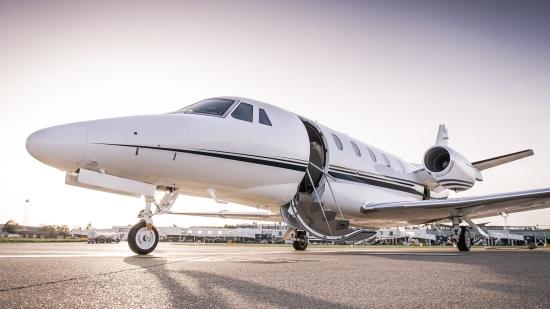 艾尔环球英国私人飞机业绩超越大市